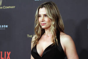 mira sorvino 'heartsick' over asia argento allegations: 'hoping it is not true'