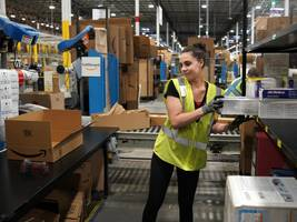 Amazon is paying people to tweet nice things about warehouse working conditions after horror stories of staff peeing in bottles