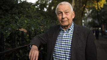 frank field won't call by-election after quitting labour