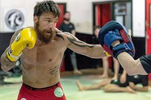 chris bungard becomes first scottish mma fighter to sign for bellator