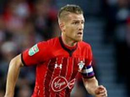 steven davis reveals talks with southampton manager mark hughes over lack of game-time this season