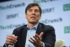 verizon media chief tim armstrong in talks to leave company