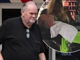 thomas markle gets a hair cut and beard trip before stopping by a subway in mexico