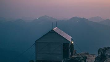 dispatches: hiking to hidden lake lookout - camping in a cabin above the clouds - as told in photos.