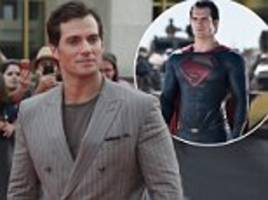 henry cavill hangs up his superman cape as warner bros 'rules out any future appearances'