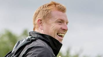 mobile phone ban gives hibs players 'oasis' from social media - lennon