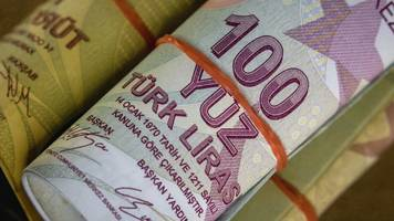Turkey bans use of foreign currency in property market
