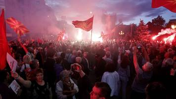largest opposition party in macedonia is not boycotting name referendum