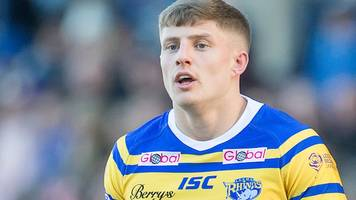 qualifiers: leeds rhinos edge salford red devils 18-16 after liam sutcliffe's last-minute goal