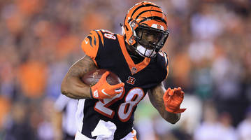 Bengals Running Back Joe Mixon Returns After Leaving Game With Knee Injury