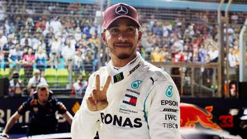 lewis hamilton takes surprise singapore pole