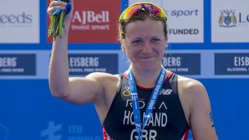 world triathlon series: great britain's vicky holland wins world title