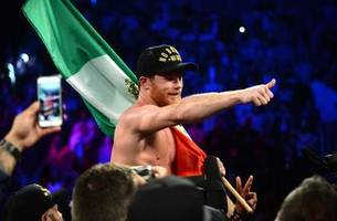 canelo defeats golovkin by razor-thin decision to take middleweight title in las vegas