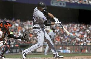 Senzatela, Rockies hold playoff position, top Giants 3-2