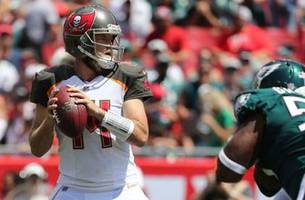 qb ryan fitzpatrick sizzling hot again, bucs roll past reigning super bowl champs