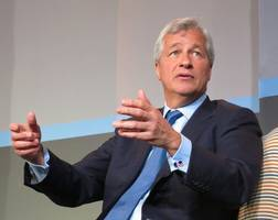 jamie dimon walks back trump criticism, now admits he wouldn't make a good political candidate