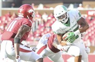 believe in the mean green! north texas stuns arkansas in 44-17 rout