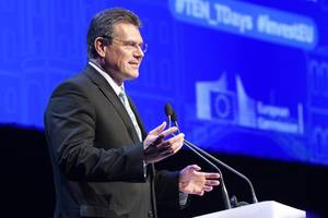 slovakia's maros sefcovic announces bid to head european commission