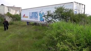 Mexico trailer storing corpses angers residents