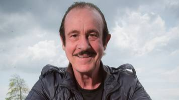 enzo calzaghe: champion boxing coach dies, aged 69