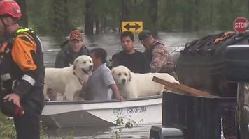 Storm Florence: Floodwaters rise in North Carolina