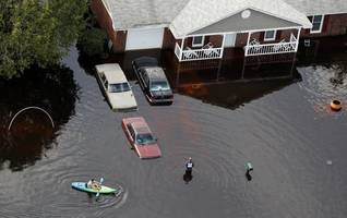 Florence Death Toll Grows To 32 As Flood Waters Rise Across The Carolinas