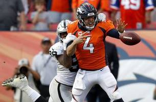 Broncos QB Case Keenum skips practice with sore knee
