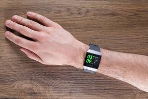 Fitbit's focusing on the health care market with its new premium fitness coaching feature