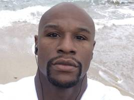 """Floyd Mayweather Jr. Names The """"Best Thing God Gave"""" Him & It's Not Money"""