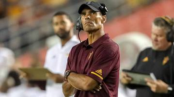 in the desert, herm edwards makes one last stand
