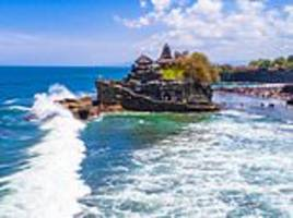 bali to crackdown on visitors posing beside sacred temples