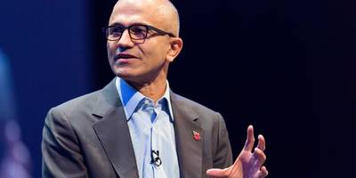 a gender discrimination lawsuit against microsoft could see new light as court agrees to reconsider class action status for 8,600 current and former employees (msft)