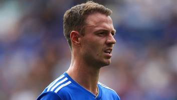 leicester boss claude puel confirms jonny evans will replace suspended wes morgan this weekend