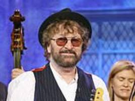 chas hodges, one half of seventies musical duo chas and dave, dies after cancer battle