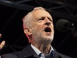corbyn tells thousands of supporters at rally the 'best way to settle brexit' is a general election