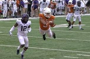texas wr collin johnson channels his inner superman on ridiculous flying td catch