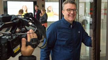 labour 'must listen' to members on people's vote, says tom watson