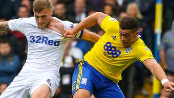 leaders leeds' unbeaten run ended by birmingham