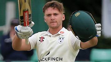 England Lions batsman Clarke leaves Worcestershire for Notts