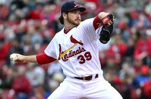 Mikolas goes for win No. 17 as Cardinals seek sweep of Giants