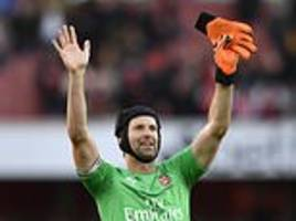arsenal manager unai emery admits surprise at criticism of petr cech