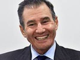 glencore founder to scoop another £90m after shares rise almost 400% in five years