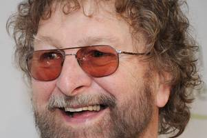 hertfordshire resident and cockney music legend chas hodges dies aged 74
