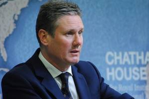 Labour may still back Brexit referendum that offers Remain choice, says Starmer