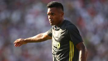 Reports Suggest Juventus Are Yet to Offer a New Deal for PSG Target Alex Sandro