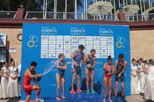 norwegian and american athletes win the men's competition and women's competition at timsun tire cup 2018 weihai itu triathlon world cup