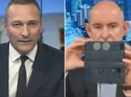 the awkward moment a liberal mp stuart robert takes a selfie on sky news live tv without realising