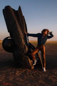 cindy crawford in cowboy country for acne studios aw18