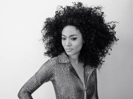 judith hill's 'queen of the hill' is a funky pearl