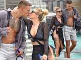 love island's olivia buckland shares kiss with alex bowen in maldives